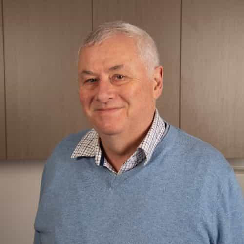 Dr David Warburton